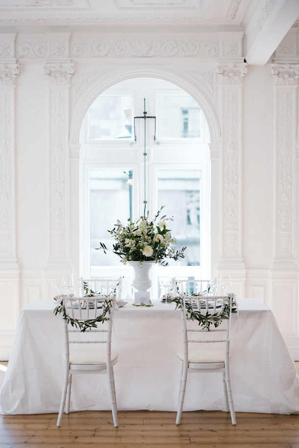 bloved-uk-wedding-blog-fresh-contemporary-green-white-inspiration-kate-nielen-photography (5)