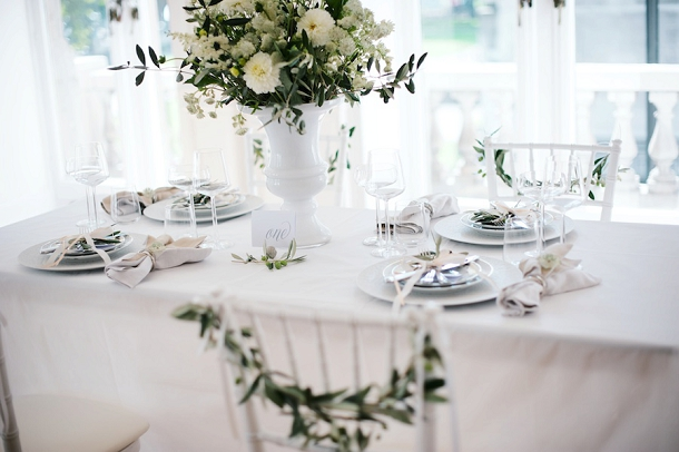 bloved-uk-wedding-blog-fresh-contemporary-green-white-inspiration-kate-nielen-photography (6)