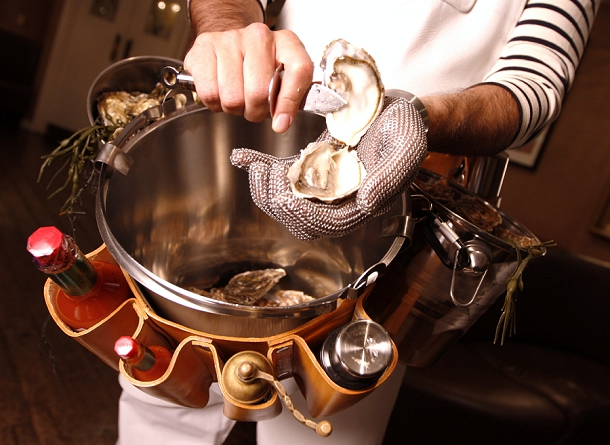 bloved-uk-wedding-blog-london-foodie-wedding-fair-oyster-meister