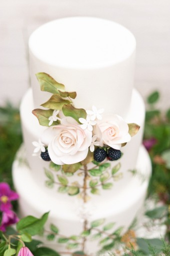 Botanical handpainted wedding cake by Cakes by Krishanthi