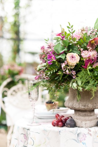 botanical table arrangement