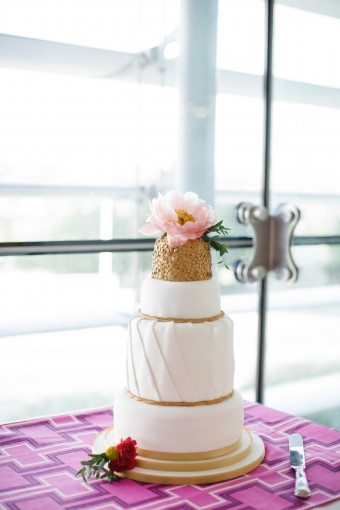 sex and the city inspired wedding cake