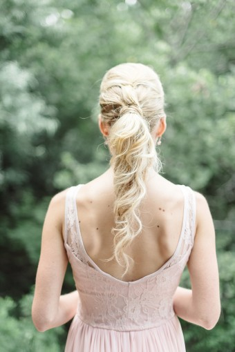 loose wavy bridal ponytail