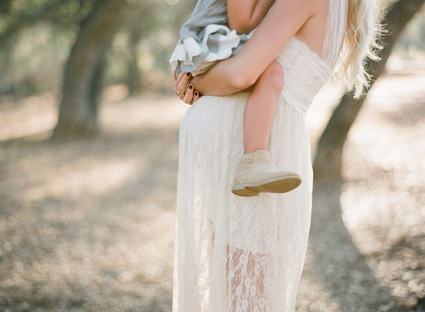 Maternity shoot with children