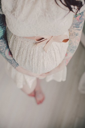 What to wear on a maternity shoot