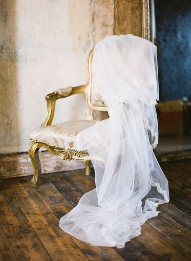 Lace edge antique veil