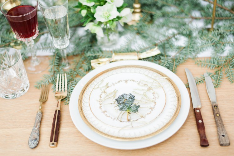 Gold sprayed fern christmas place setting
