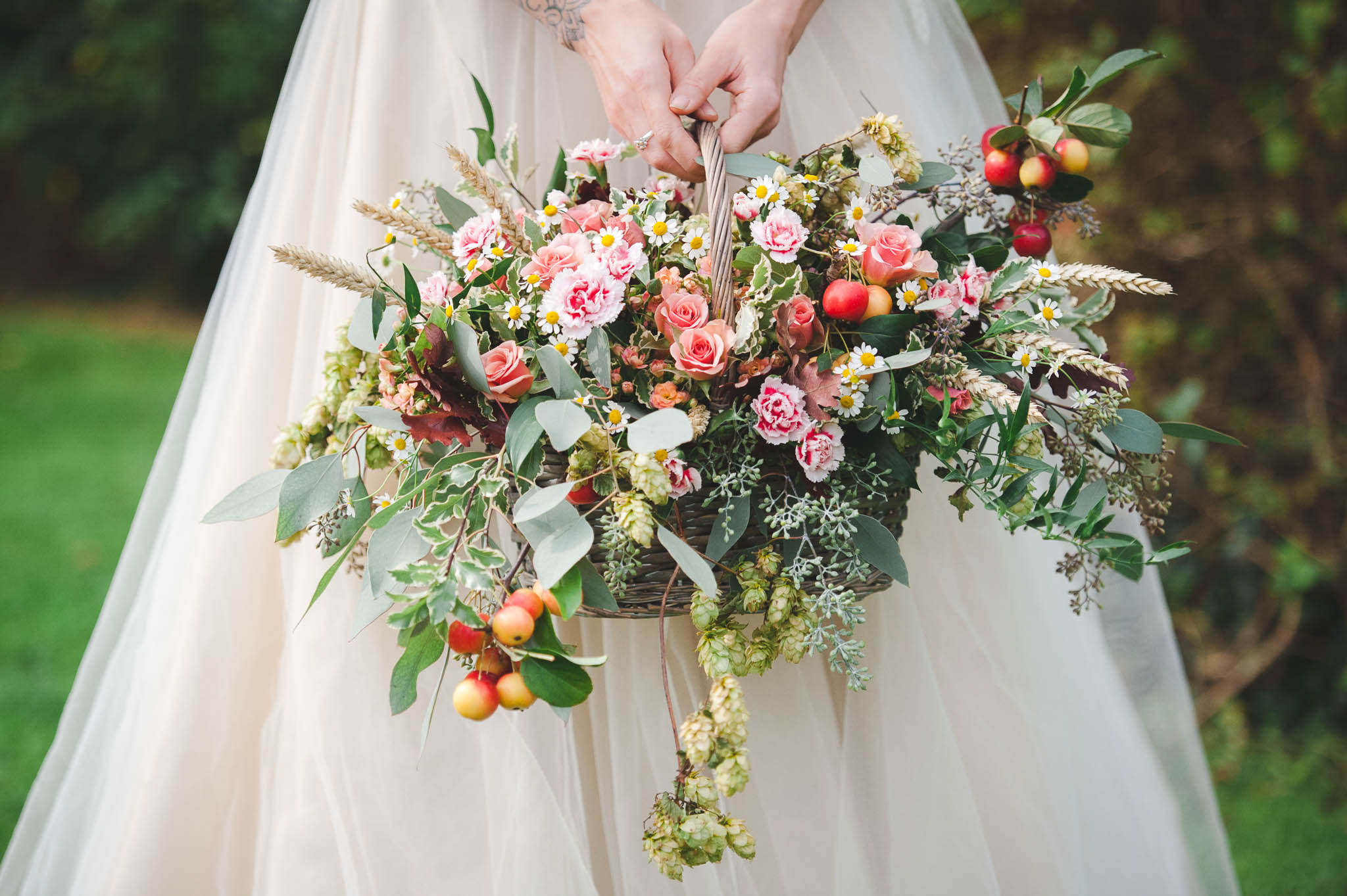 flower bouquets wedding rustic autumnal country garden wedding inspiration 4145