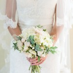 classic white & cream wedding bouquet