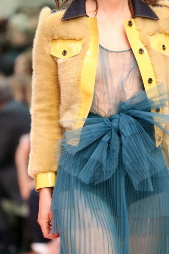 Tulle belts at Burberry Spring 2015 catwalk