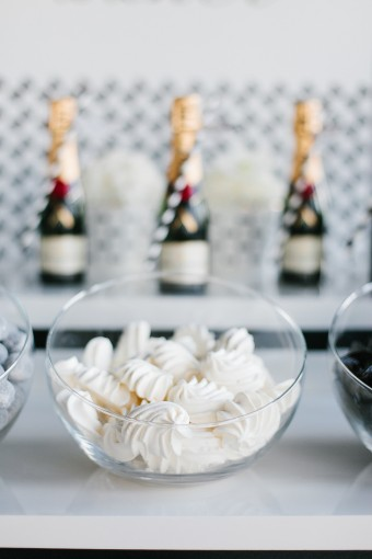 champagne-wedding-favour