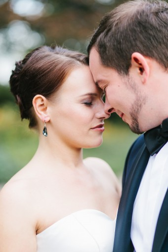 classic-bride-and-groom