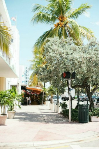 miami-beach-sidewalk