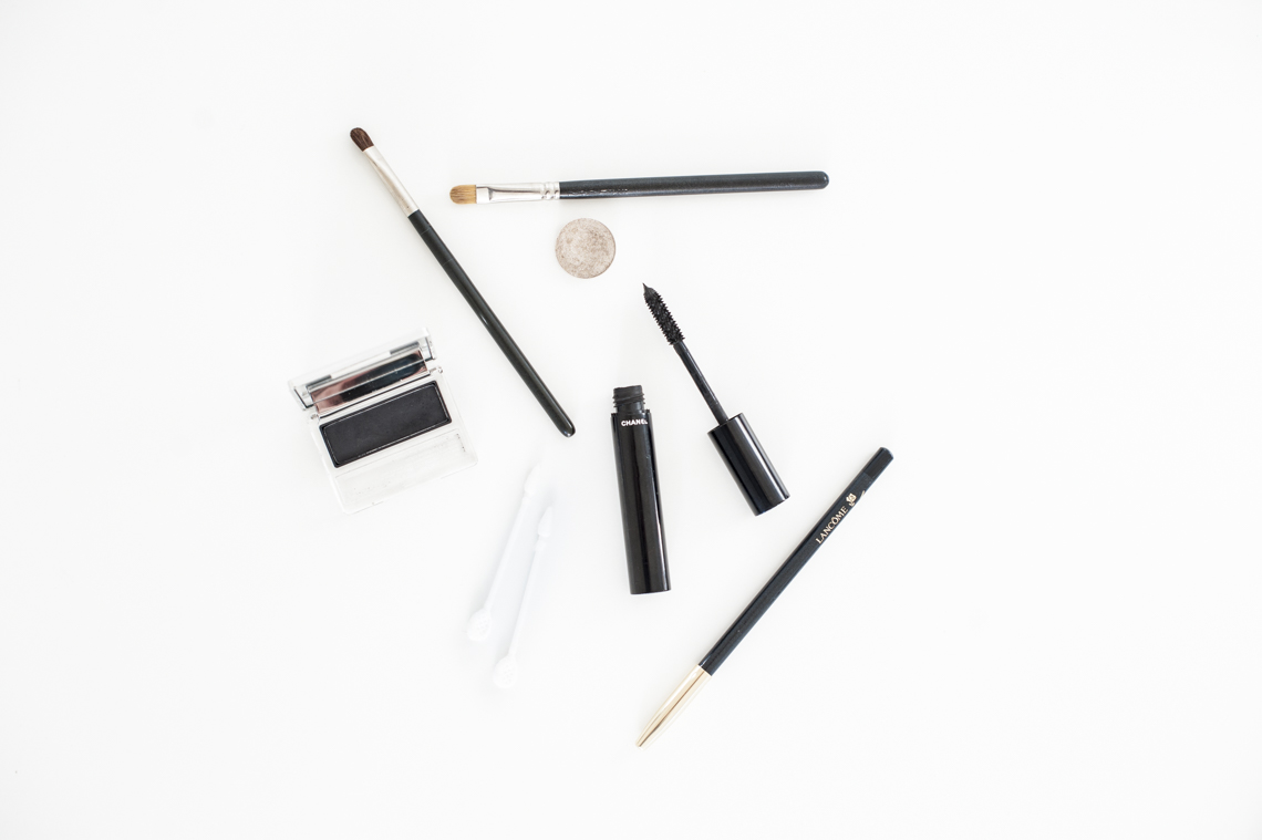 Smokey Eye Tutorial - Plenty to Declare Photography (1)