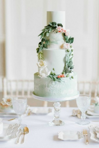 pale-green-wedding-cake
