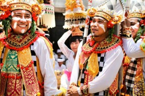 balinese-traditional-dress