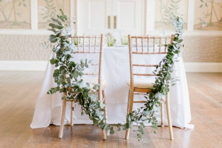 foliage-garland-chair-back-decoration