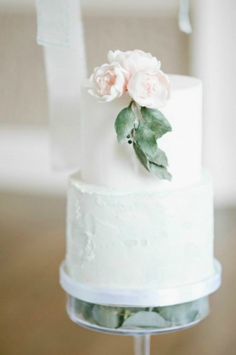 mini-spring-wedding-cake