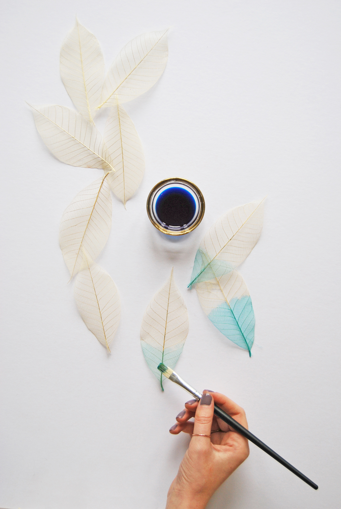 DIY Leaf Backdrop