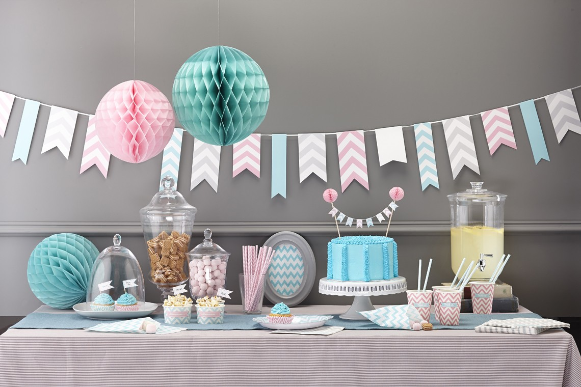 pink and blue party decor