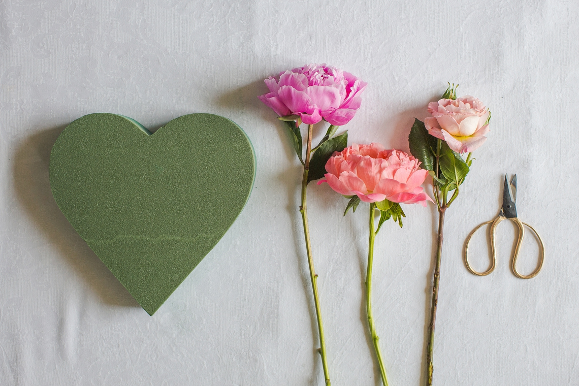 Fresh Floral Heart DIY with Roses & Peonies (1)