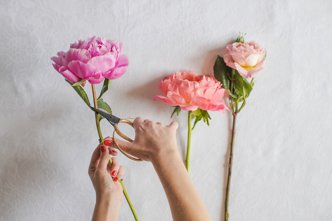 Fresh Floral Heart DIY with Roses & Peonies (2)
