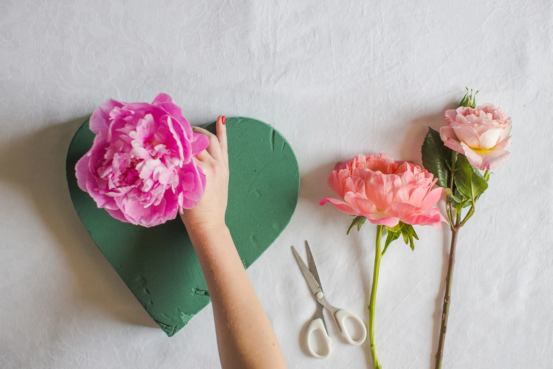 Fresh Floral Heart DIY with Roses & Peonies (3)