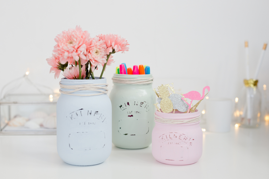 Pastel painted mason jar diy for Pastel diy room decor