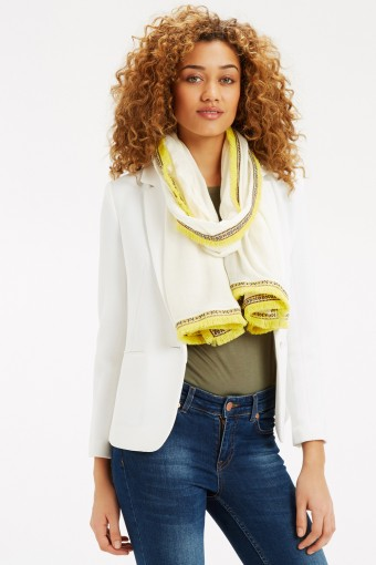 Oasis yellow and white tufted scarf