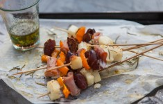 bloved-food-blog-date-halloumi-bacon-skewers (2)