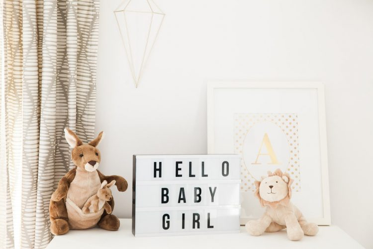 hello baby lightbox sign maternity session