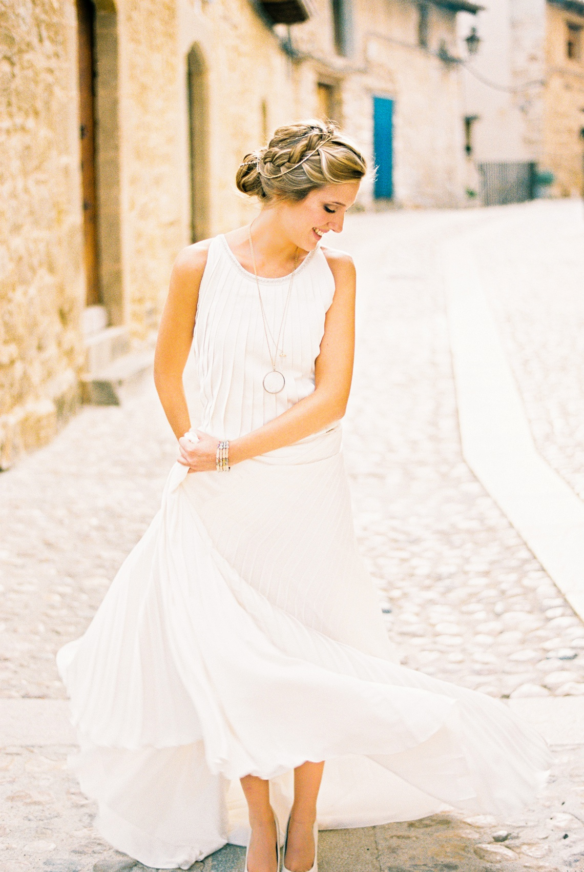 bloved-wedding-blog-comfortable-bridal-style (8)