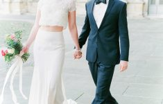 romantic parisian elopement wedding couple bridal outfit