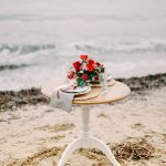 red floral and white wedding table styling decor ideas