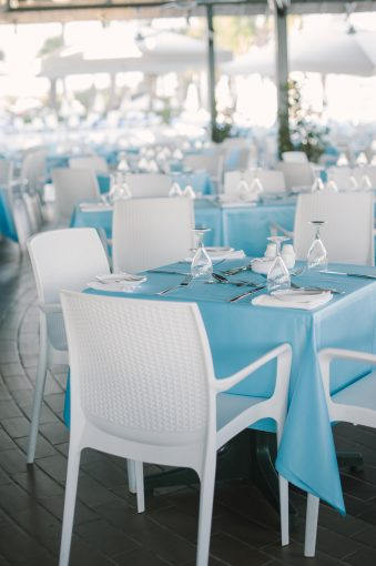 blue and white contemporary restaurant decor
