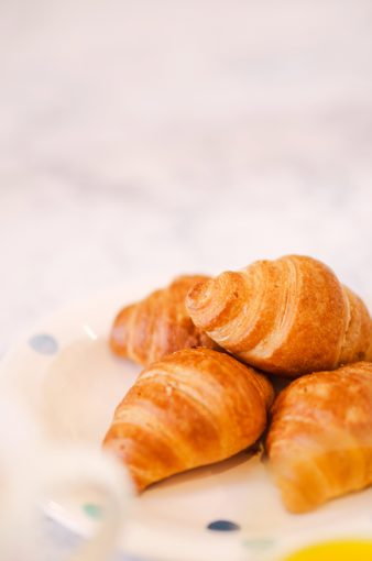 pile of fresh croissants