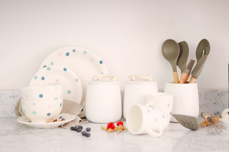 stylish kitchen dinnerware collection