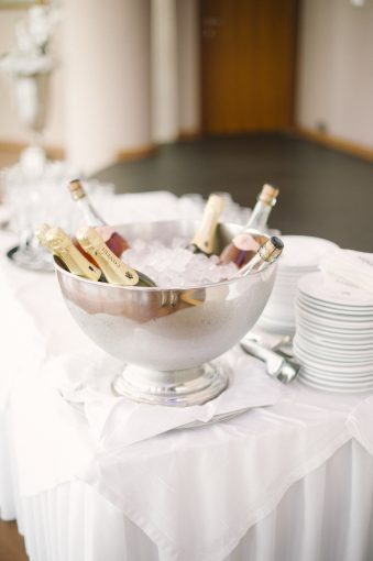 champagne on ice for wedding guests