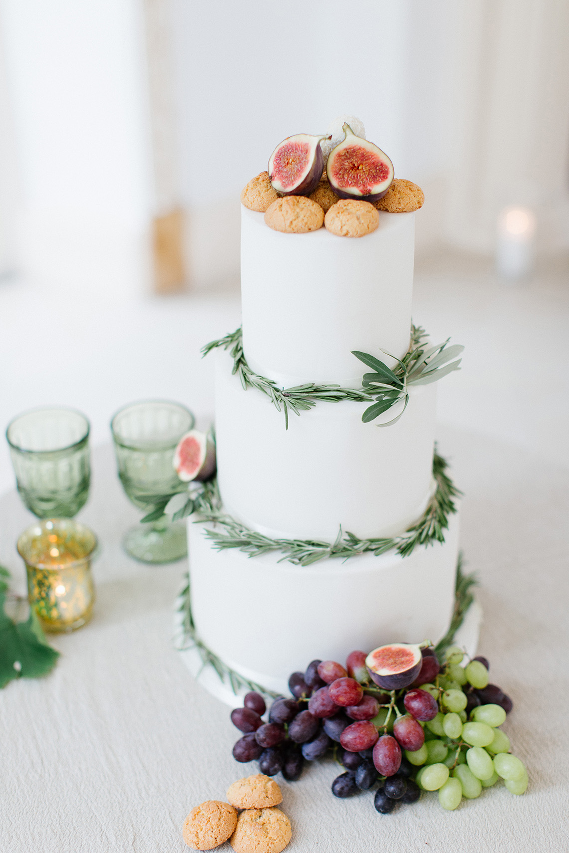 Modern Wedding Cakes Surrey Ensign - The Wedding Ideas ...