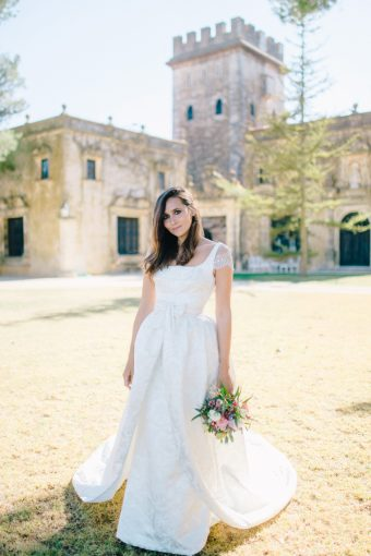 bridal portrait in castle grounds