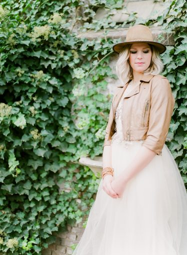 bridal look wearing a western hat
