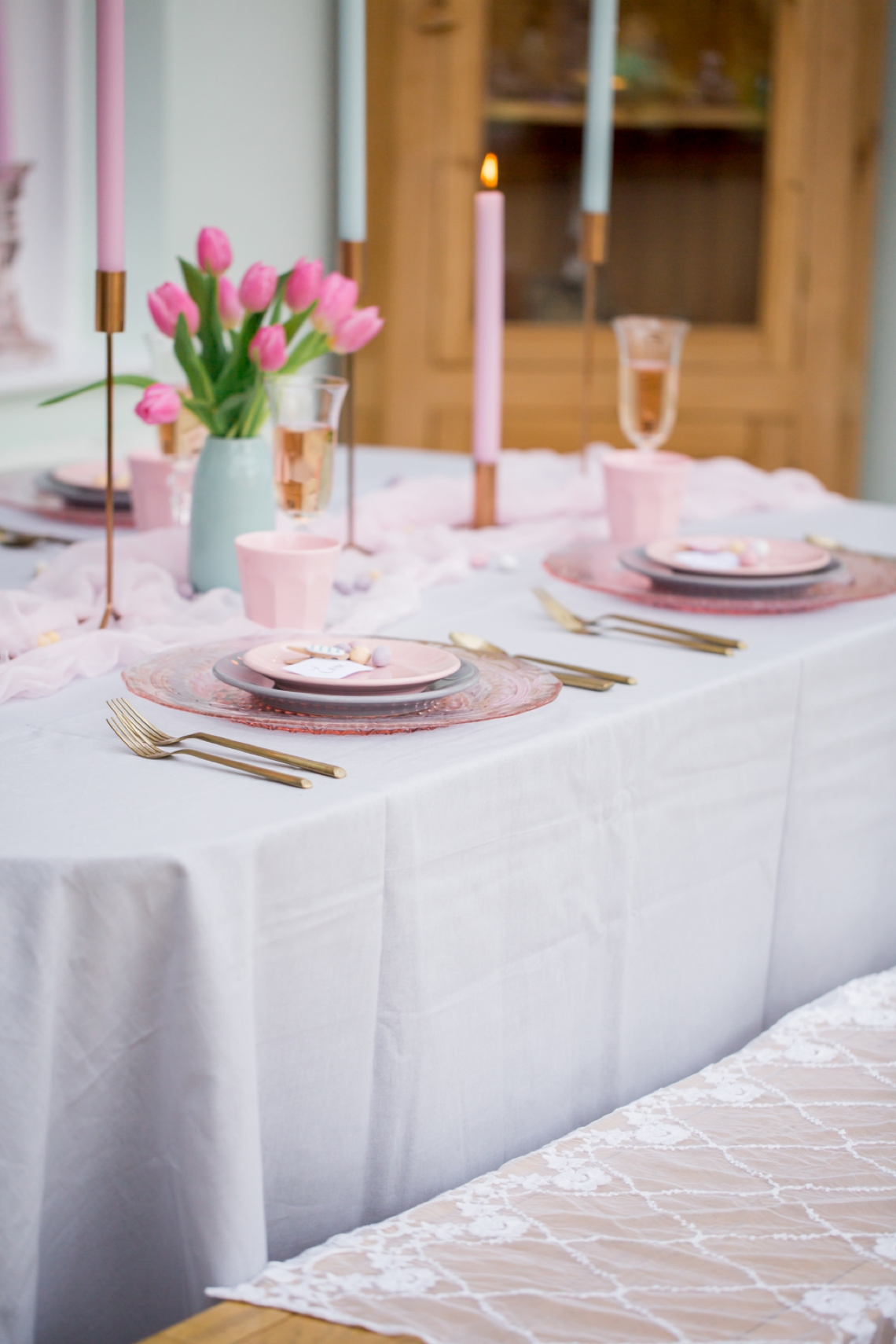 How To Create A Pretty Pastel Table Setting This Easter