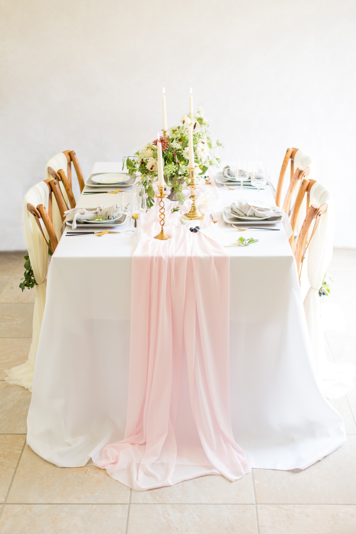 Modern Romantic Wedding Decor Inspirations with Blush Pink - BLOVED Blog