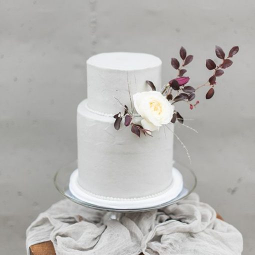 Modern Wedding Cakes: All About Modern Wedding Cake Trends + What The Experts