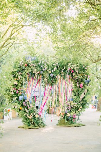 heart floral installation at chelsea in bloom