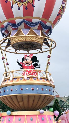 minnie mouse at the disney street parade at disney world florida