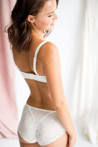 balcony bra and bridal knickers by wonderbra