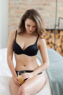 everyday lingerie black t-shirt bra set