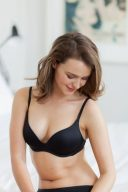 everyday lingerie black wonderbra t-shirt bra