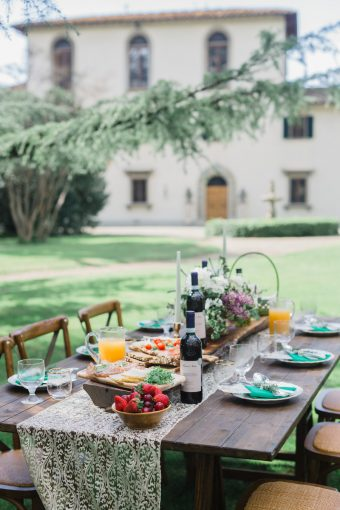 traditional tuscan wedding brunch